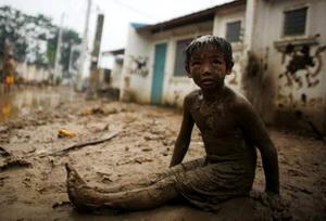 Мальчик и грязь