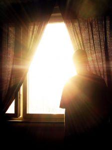 Живи сегодня. Рассвет. Окно